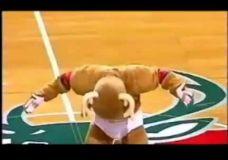 Linksmiausios NBA talismanų akimirkos