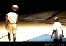 """Kobe Bryant : """"Vienas prieš viena"""" Adidas reklama"""