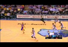 Pašiepiantis video kuriame parodoma Lakers puolimas ir gynyba šiame sezone