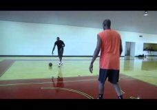 LeBron James treniruojasi kartu su Hakeem Olajuwon III dalis