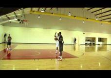 LeBron James treniruojasi kartu su Hakeem Olajuwon V dalis