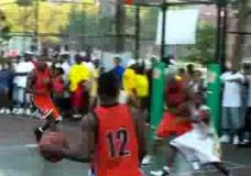 Tikrasis gatvės krepšinis Harlemo gatvėse