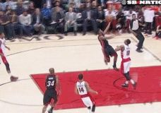 LeBron James dėjimas prieš Raptors komandą [gif]