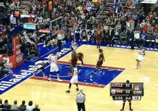 Thaddeus Young blokas Dion Waiters [gif]