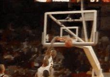 It laikrodis – Michael Jordan ir Scottie Pippen GIF