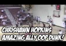 Chrishawn Hopkins dėjimas pakėlęs visus žmones nuo savo vietų